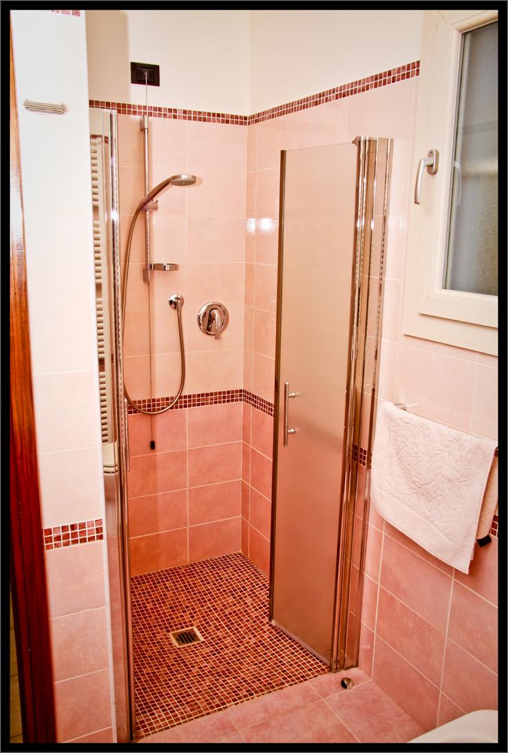 la-casa-delle-bambole-il-bagno-2